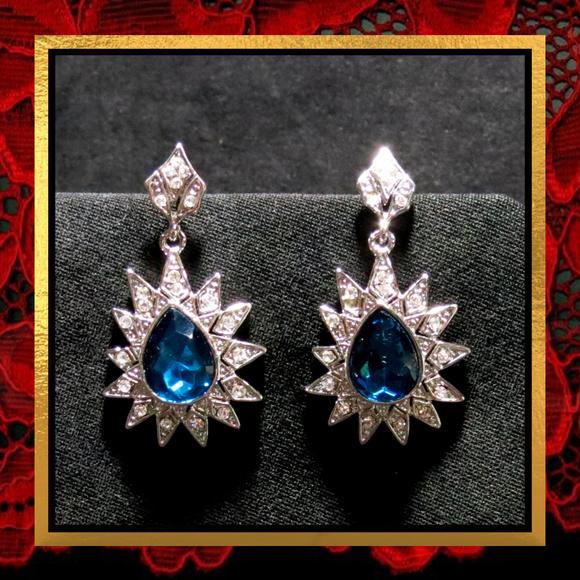 Jewelry - New Blue Crystal Rhinestone Dangle Earrings #747